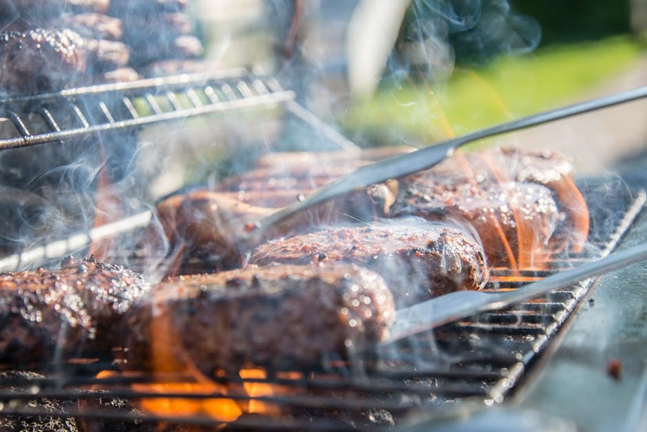 Perfect Tailgating Items To Pack In Your Car This Summer